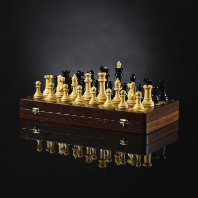"Chess ""Staunton"" Compact"