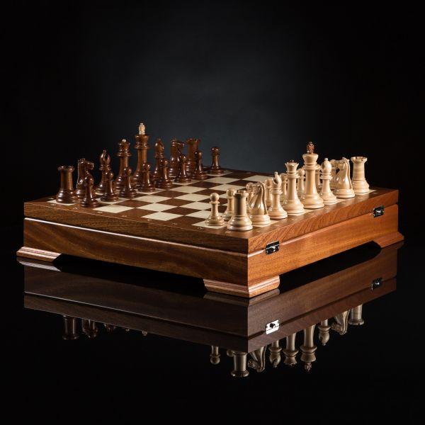 """Chess """"Staunton"""" Collectible"""